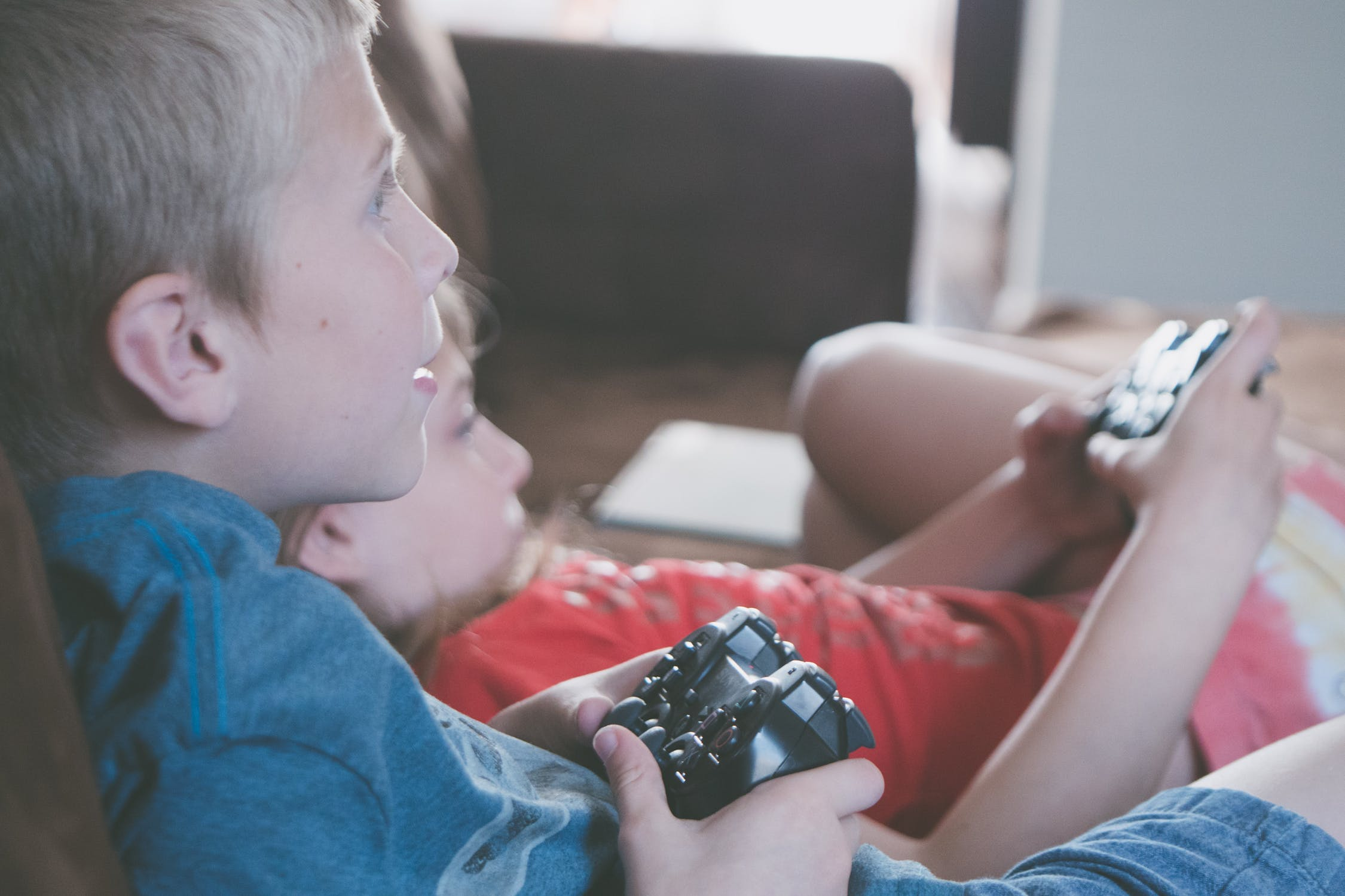 5 Best Educational Video Games for Parents to Play with Their Kids -