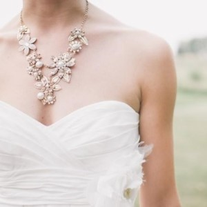 How to Choose Wedding Jewelry for Brides